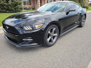 Auto-Ford-Mustang